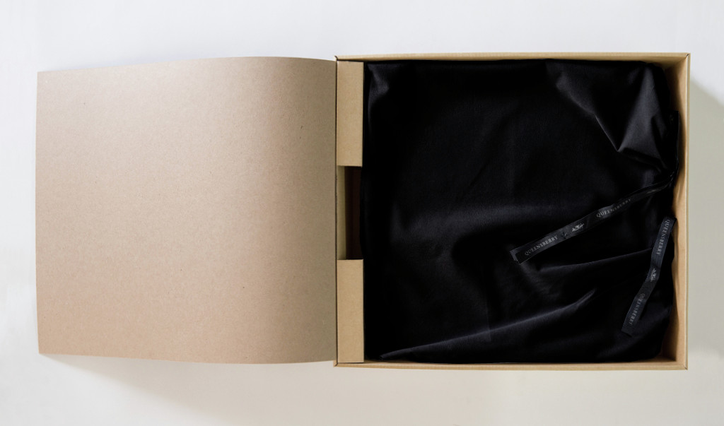 Standard Box with Velvet Bag inside